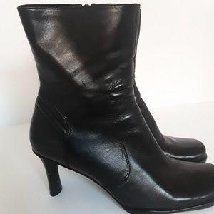 Nine West leather womens boots size 10 ,NIB